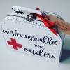 overlevingspakket kinderkoffertje kinderkoffertjes koffertje met naam ouders baby kraamkado kraamcadeau babygift babyshower kraamborrel